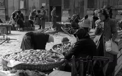 Kereskedelem - Kecskeméti piac