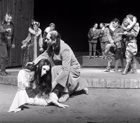 Kultúra - Színház - Tom Stoppard: Rosencrantz és Guildenstern halott