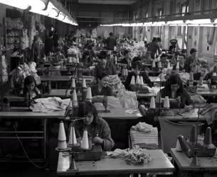 Ipar - Textilipar - A Békéscsabai Kötöttárugyár