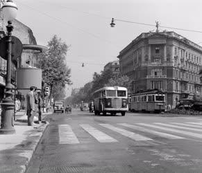 Közlekedés - Megindult a forgalom a Bajcsy Zsilinszky úton