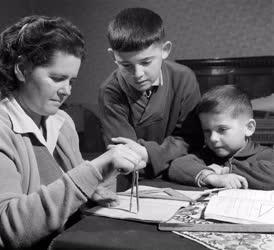 Oktatás - Tanul a falu Tiszakécskén