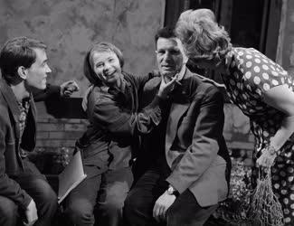 Kultúra - Tévéfilm - Karinthy Ferenc: Ezer év
