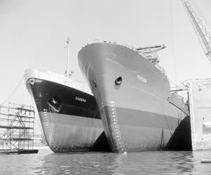 Ipar - Tengerjáró hajók