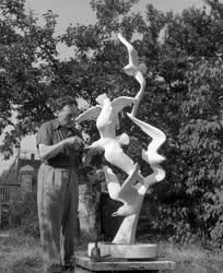 Kultúra - Szobrászat - Cseh István szobrászművész