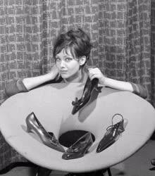 Divat -  Új cipőmodellek