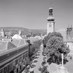 Városkép - A Jurisics tér a Szent Imre-templommal