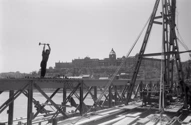 Építőipar - A Lánchíd újjáépítése