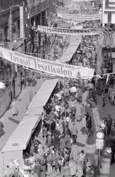 Életkép - Kirakodóvásár a tavaszi fesztiválon