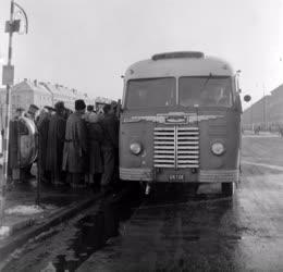 Közlekedés - Autóbusz Sztálinvárosban