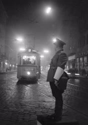 Városkép - Közlekedés - Esti fények