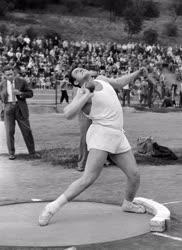 Sport - Atlétika - Súlylökés