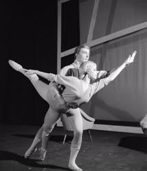 Kultúra - Balett - Gujcsics Tihamér: Változatok egy találkozásra