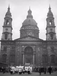 Ünnep - Feltámadási körmenet - Szent István Bazilika