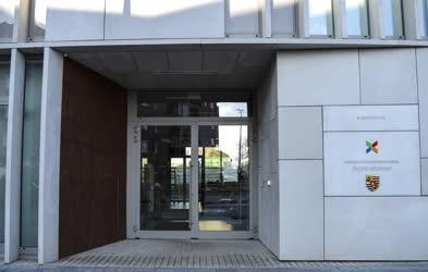 Épületfotó - Budapest - Önkormányzati ügyfélközpont