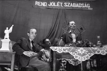 Belpolitika - Párt - MKP-gyűlés Pestújhelyen