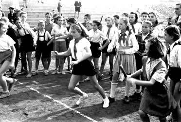 Sport - Úttörők Béke Ifjúsági sportversenye