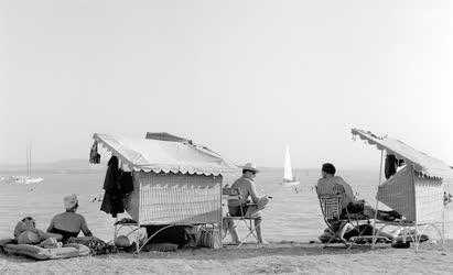 Városkép-életkép - Szabadidő - Nyaralók a Balatonon