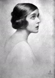 Darvas Lili színésznő