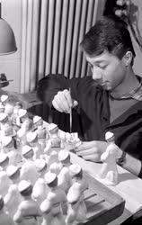 Ipar - Porcelánfestő iparművészek