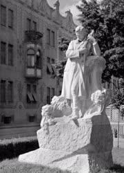 Magyarországi képek - Szeged - Dankó Pista-szobor