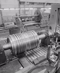 Ipar - 215 megawattos óriásturbina a Láng Gépgyárban