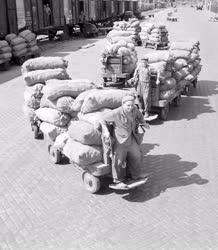 Kereskedelem - A Nagyvásártelepen