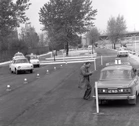 Közlekedés - A Magyar Autóklub új tanpályája