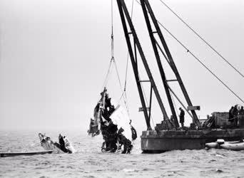 Baleset-katasztrófa - Magyar utasszállító roncsai a tengerbe