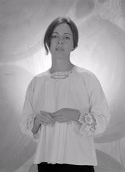Portré - Csomós Mari színésznő