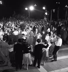 Ünnep - Szórakozás - Utcabál augusztus 20-án