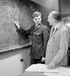 Oktatás - Matematikaóra a szakmunkásképzőben