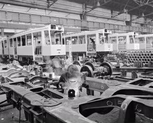 Ipar - Csuklós villamosok gyártása a Ganz Mávagban