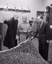 Belkereskedelem - Új üzletek a Rákóczi úton