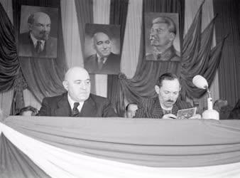 Belpolitika - TSZ és gépállomás konferencia