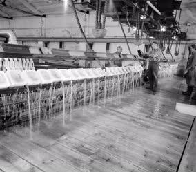 Ipar - Jéggyártósor
