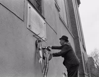 Évforduló - Koszorúzás a volt Gestapo fogháznál