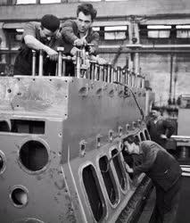 Ipar - Láng Gépgyár dieselmotor üzem
