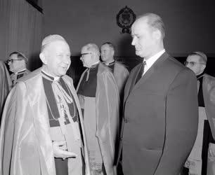 Belpolitika - Egyházi méltóságok kinevezése