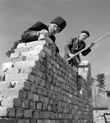 Építőipar - Új családi házak Csepelen