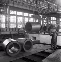 Ipar - Sztálinvárosi Meleghengermű