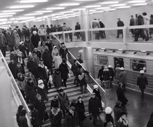 Ipar - Közlekedés - Átadták az észak-déli metróvonalat