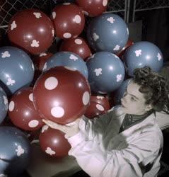 Ipar - Pöttyös labda a Polimer Műanyag Ktsz-től