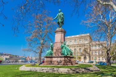 Városkép - Budapest - Széchenyi István-szobor