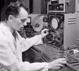 Tudomány - Látogatás az Automatikai Kutató Laboratóriumban