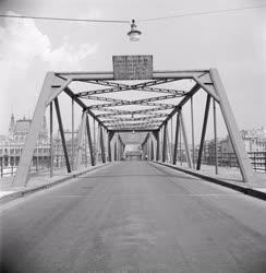 Közlekedés - A Kossuth híd