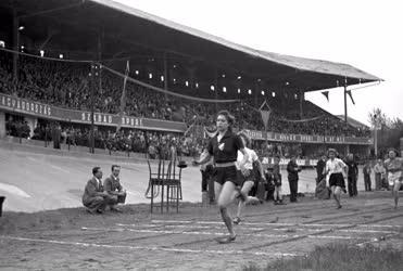 Sport - Atlétika - Női futóverseny a Millenárison