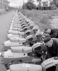 Járműpar - Elkészült a százezredik Pannonia motor