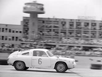 Sport - Autóverseny - Ferihegyi repülőtér