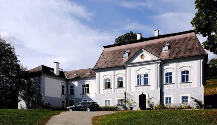 Turizmus - Legénd - Kastély