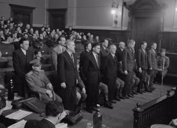 Belpolitika - Bírósági tárgyalás